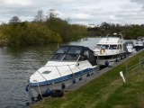 Plenty of boats moored along the bank here.